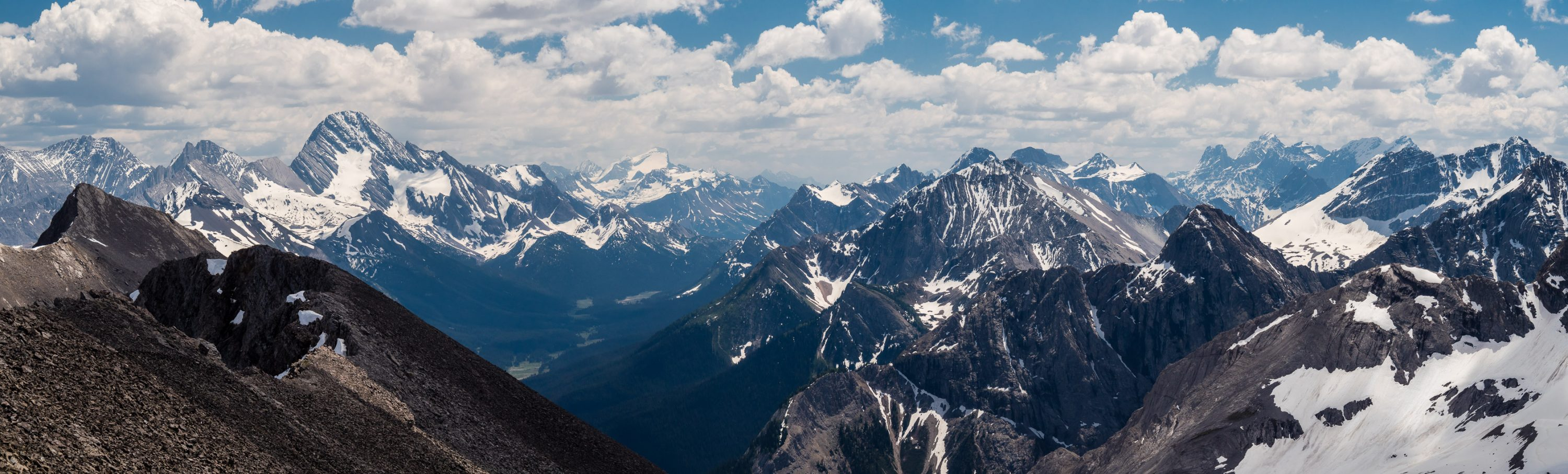 A tele-pano from Morrison (L) to Sir Douglas, Joffre, Warre, Currie, Royal Group and Red Man Mountain (R).